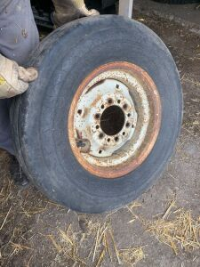 *9.5L-15 tire with 6-bolt rim