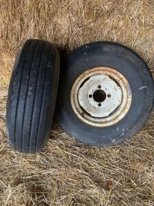 *8.5L-14 tire with 4-bolt rim